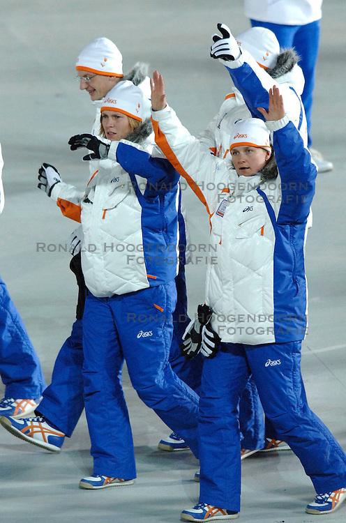 10-02-2006 ALGEMEEN: OLYMPISCHE SPELEN: TORINO<br /> Openingsceremonie OS 2006 / Kitty van Haperen<br /> &copy;2006-WWW.FOTOHOOGENDOORN.NL