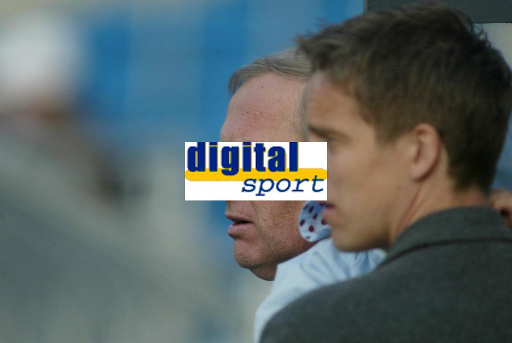 Fotball, 17. april 2002.  Arne Scheie og Jan Åge Fjørtoft, NRK.