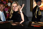 Koning Willem-Alexander en Koningin Máxima en Prinses Beatrix der Nederlanden zijn aanwezig bij de slotviering van 200 jaar Koninkrijk der Nederlanden in Amsterdam. De twee jaar durende viering wordt afgesloten met een bijeenkomst in Koninklijk Theater Carré en met een avond vol optredens op de Amstel.<br /> <br /> King Willem-Alexander and Princess Maxima and Queen Beatrix of the Netherlands to attend the final celebration of 200 years of Kingdom of the Netherlands in Amsterdam. The two-year celebration will end with a meeting in the Royal Theatre Carré and an evening of performances at the Amstel.<br /> <br /> Op de foto / On the Photo: Koningin Maxima