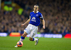 LIVERPOOL, ENGLAND - Saturday, January 4, 2014: Everton's Leon Osman in action against Queens Park Rangers during the FA Cup 3rd Round match at Goodison Park. (Pic by David Rawcliffe/Propaganda)