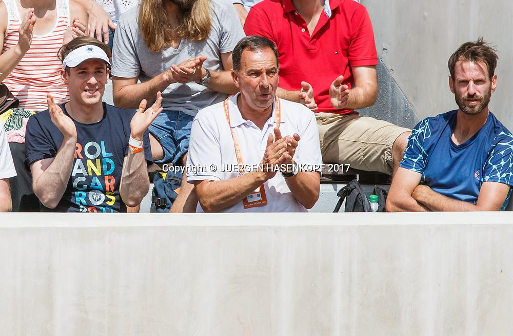 MONA BARTHEL Trainer Christopher Kas (ganz rechts),Thomas Buerkle und Mode Designer Kilian Kerner als Zuschauer in der Spieler Loge.<br /> Tennis - French Open 2017 - Grand Slam ATP / WTA -  Roland Garros - Paris -  - France  - 30 May 2017.