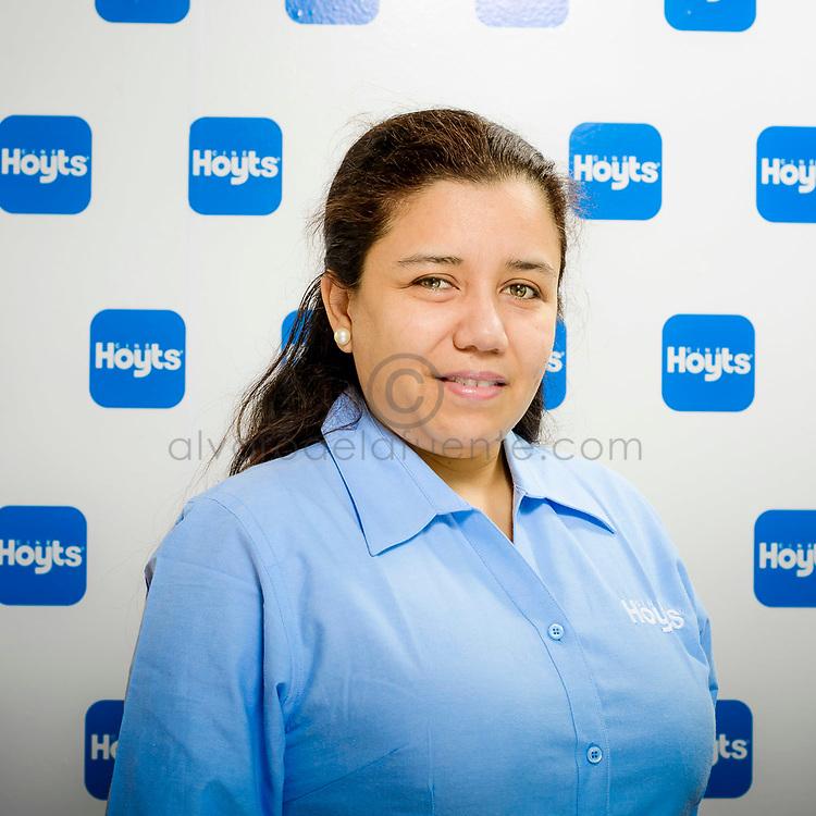 Retratos corporativos a trabajadores de Cine Hoyts. Santiago de Chile, 04-09-2017 (©Alvaro de la Fuente)