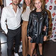 NLD/Amsterdam/20190919 - Premiere Show Johnny de Mol, Isa Hoes met haar kinderen Merlijn Kamerling en Vlinder Kamerling