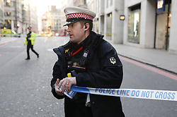 © Licensed to London News Pictures. 29/11/2019. London, UK. Police are seen on London Bridge. There are early reports of a possible shooting. Photo credit: Rob Pinney/LNP