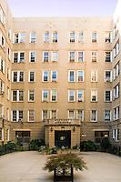 Courtyard at 811 Walton Avenue