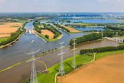 Nederland, Limburg, Gemeente Maasgouw, 27-05-2013; ingang Lateraalkanaal LInne-Buggenum, met sluis Heel. De kleinere sluis (re) is Linne, deze geeft toegang tot de Maasplassen bij Roermond (aan de horizon). Rechts de stuw bij Linne. <br /> River Meuse  with lateral canal and shipping locks.<br /> luchtfoto (toeslag op standard tarieven);<br /> aerial photo (additional fee required);<br /> copyright foto/photo Siebe Swart.