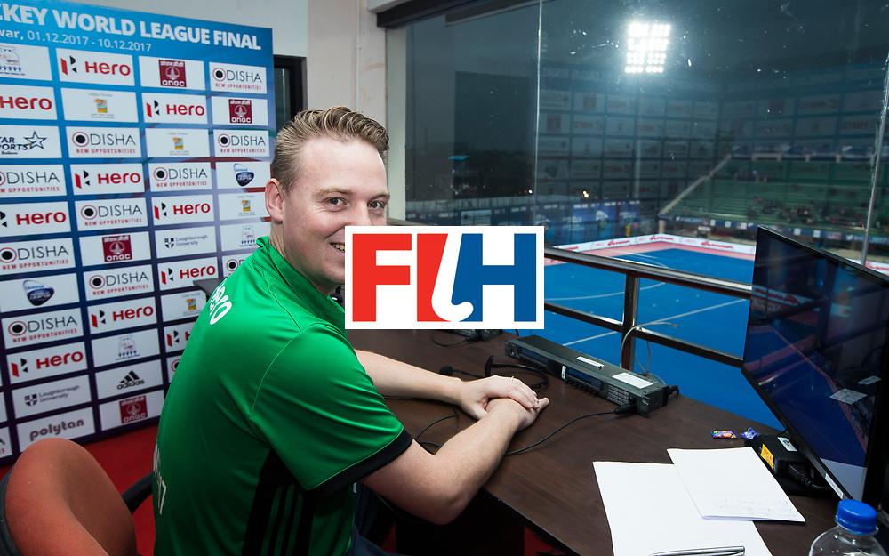 BHUBANESWAR - Video umpire, Coen van Bunge (Ned). Hockey World League finals , wedstrijd om de 5e plaats. Belgie-Spanje.  COPYRIGHT KOEN SUYK