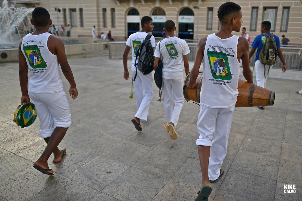 Capoeira on the streets of Pelorinho area, Salvador de Bahia, Bahia State, Brazil.