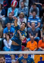 10-04-2016 NED: Seesing Personeel Orion -  Landstede Volleybal, Doetinchem<br /> In de derde en beslissende partij tussen Orion en Landstede Volleybal werd gespeeld om het toegangsticket tot de play &ndash; off finale. Orion trok aan het langste eind door Zwolle met 3-1 naar huis te sturen / Jairo Hooi #12 of Landstede