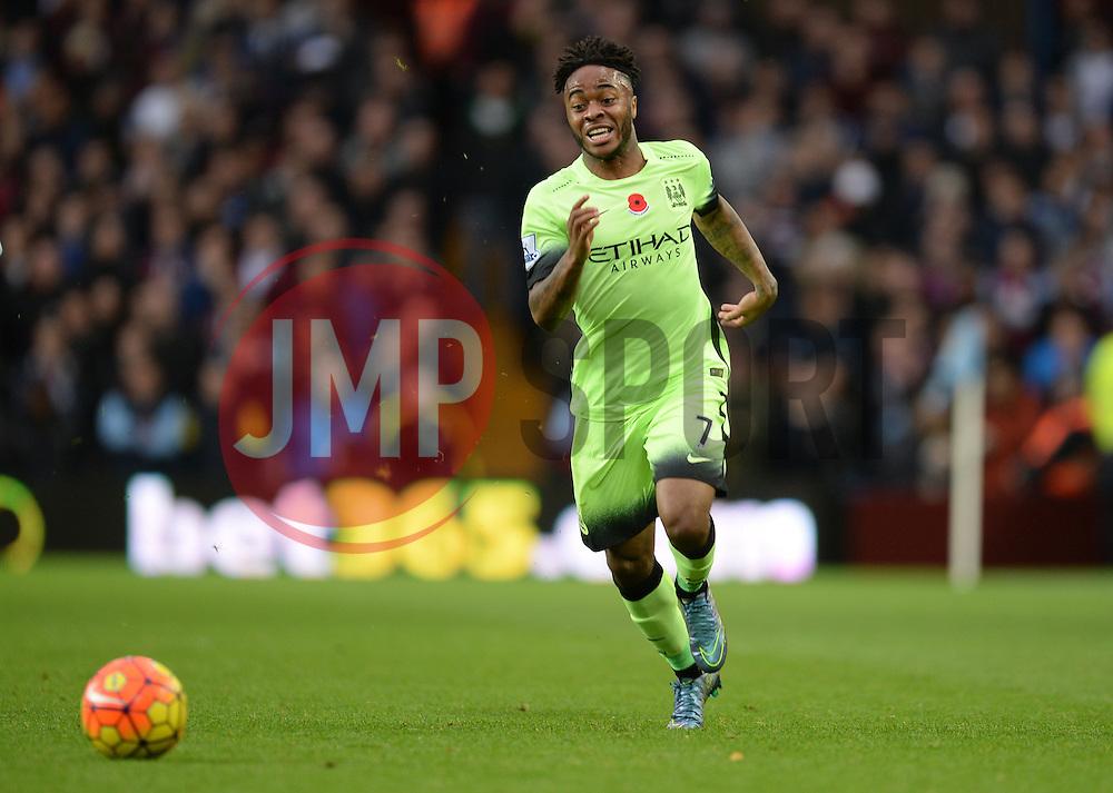 Raheem Sterling of Manchester City - Mandatory byline: Alex James/JMP - 07966 386802 - 08/11/2015 - FOOTBALL - Villa Park - Birmingham, England - Aston Villa v Manchester City - Barclays Premier League