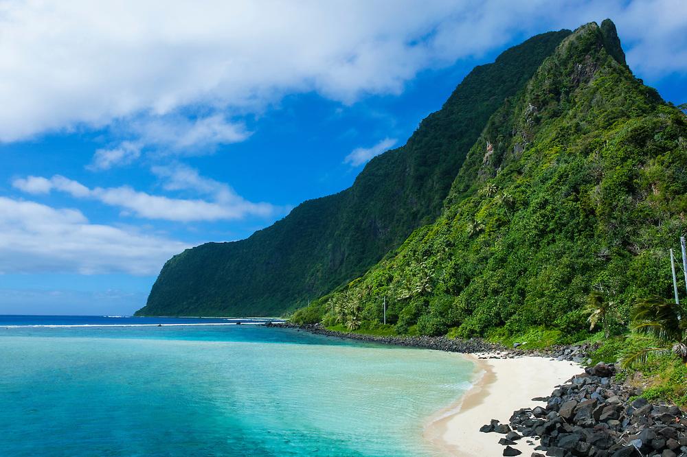 Turqoise water and white sand beach at Ofu Island, Manu´a island group, American Samoa, South Pacific