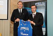 Milano 15 marzo 2010<br /> Basket Nazionale<br /> Conferenza stampa di presentazione dei programmi delle Nazionali<br /> Nella foto Dino Meneghin Simone Pianigiani<br /> Foto ciamillo