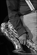 Berlin, DEU, 31.10.2002: Jazz Music , Von Freeman, tenor sax, Tenorsaxophone, mit dem New Apartment Lounge Quartet, JazzFest Berlin 2002, Haus der Berliner Festspiele, Berlin, 31.10.2002, Hosentraeger mit Pianotastenmuster, Symbol, Jazz,  ( Keywords: Musiker ; Musician ; Musik ; Music ; Jazz ; Jazz ; Kultur ; Culture ) ,  [ Photo-copyright: Detlev Schilke, Postfach 350802, 10217 Berlin, Germany, Mobile: +49 170 3110119, photo@detschilke.de, www.detschilke.de - Jegliche Nutzung nur gegen Honorar nach MFM, Urhebernachweis nach Par. 13 UrhG und Belegexemplare. Only editorial use, advertising after agreement! Eventuell notwendige Einholung von Rechten Dritter wird nicht zugesichert, falls nicht anders vermerkt. No Model Release! No Property Release! AGB/TERMS: http://www.detschilke.de/terms.html ]