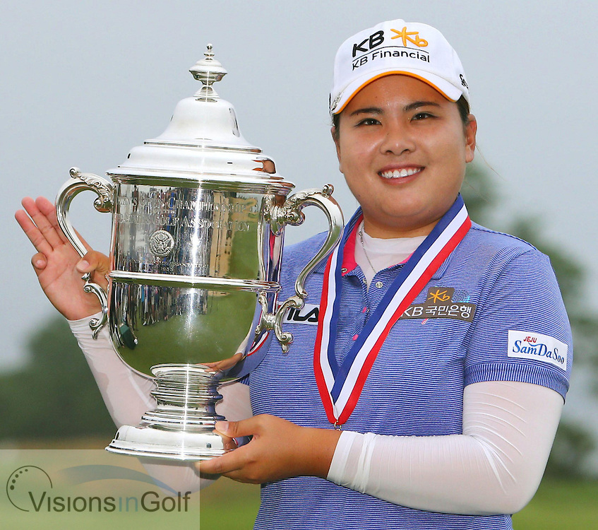 Inbee Park wins the US Womens Open 2013 with the trophy <br /> Picture Credit:  Mark Newcombe / visionsingolf.com