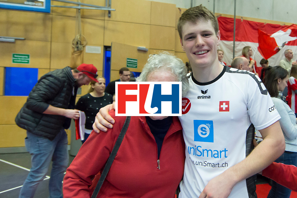 Hockey, Seizoen 2017-2018, 09-02-2018, Berlijn,  Max-Schmelling Halle, WK Zaalhockey 2018 MEN, Austria - Switzerland 2-2, Boris Stomps (SUI) with his family