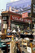 New York. Village Cigars , news stand of Greenwich village ( west village)  New York  Usa /   kiosque a journaux de Woody allen . Greenwich village (west village)  New York  USa