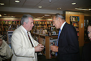 Martin Bell and General Sir Michael Jackson, Launch of Martin Bell's ' The Truth That Sticks: New Labour's Breach Of Trust.' Foyles. London. 5 September 2007.  -DO NOT ARCHIVE-© Copyright Photograph by Dafydd Jones. 248 Clapham Rd. London SW9 0PZ. Tel 0207 820 0771. www.dafjones.com.