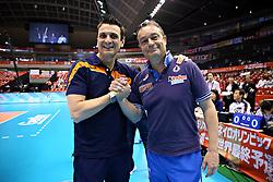 20-05-2016 JAP: OKT Italie - Nederland, Tokio<br /> De Nederlandse volleybalsters hebben een klinkende 3-0 overwinning geboekt op Italië, dat bij het OKT in Japan nog ongeslagen was. Het met veel zelfvertrouwen spelende Oranje zegevierde met 25-21, 25-21 en 25-14 / Coach Giovanni Guidetti, Coach Marco Bonitta ITA
