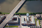 Nederland, Limburg, Gemeente Maastricht, 27-05-2013; <br /> Het Bonnefantemuseum in de nieuwe wijk Ceramique, met de verkeersbrug John F. Kennedybrug (N278) over de rivier de Maas.<br /> The Bonnefantenmuseum in the new Ceramique district, with the road bridge John F. Kennedy Bridge (N278) over the River Maas.<br /> luchtfoto (toeslag op standaardtarieven);<br /> aerial photo (additional fee required);<br /> copyright foto/photo Siebe Swart.