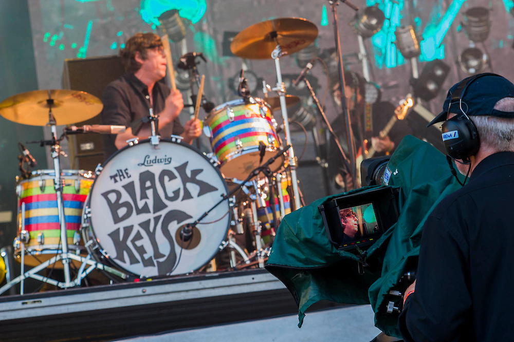 The Black Keys play the Pyramid Stage. The 2014 Glastonbury Festival, Worthy Farm, Glastonbury. 29 June 2013.