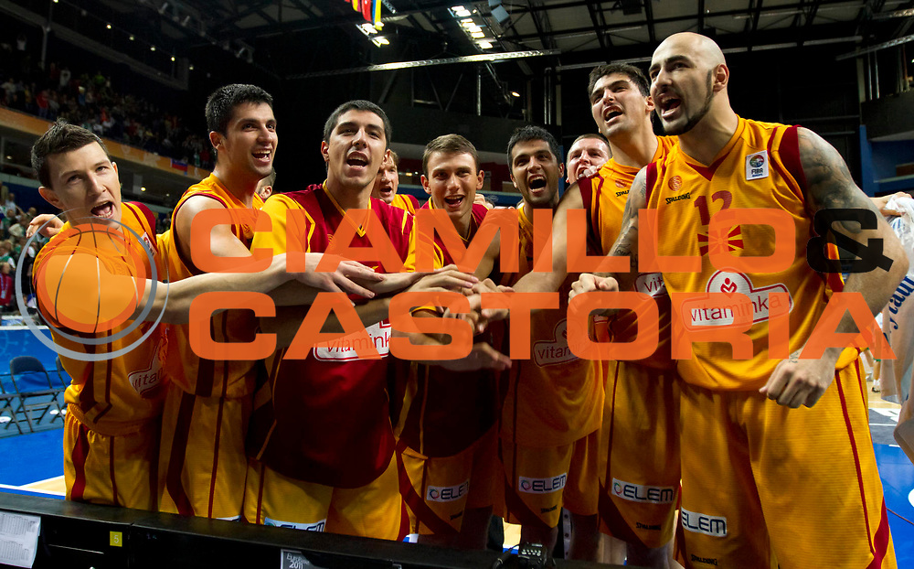 DESCRIZIONE : Vilnius Lithuania Lituania Eurobasket Men 2011 Second Round Macedonia Slovenia FYR of Macedonia Slovenia<br /> GIOCATORE : Team Macedonia<br /> SQUADRA : FYR of Macedonia Macedonia<br /> EVENTO : Eurobasket Men 2011<br /> GARA : Macedonia Slovenia FYR of Macedonia Slovenia<br /> DATA : 10/09/2011<br /> CATEGORIA : ritratto esultanza<br /> SPORT : Pallacanestro <br /> AUTORE : Agenzia Ciamillo-Castoria/M.Metlas<br /> Galleria : Eurobasket Men 2011<br /> Fotonotizia : Vilnius Lithuania Lituania Eurobasket Men 2011 Second Round Macedonia Slovenia FYR of Macedonia Slovenia<br /> Predefinita :