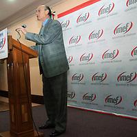 """Metepec, Mex.- Guillermo Güemez García, sub gobernador del Banco de México, dictó la conferencia magistral """"Perspectivas Económicas del 2009"""", donde se abordaron temas relacionados con la crisis financiera mundial. Agencia MVT / José Hernández. (DIGITAL)<br /> <br /> <br /> <br /> NO ARCHIVAR - NO ARCHIVE"""