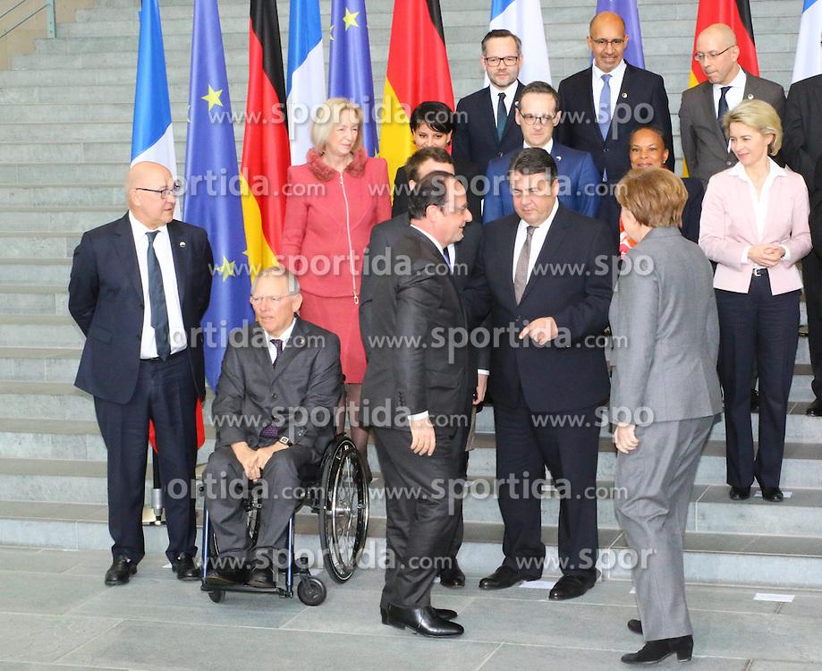 31.03.2015, Bundeskanzleramt, Berlin, GER, SPO, Staatsbesuch, Hollande, im Bild Bundesminister Sigmar Gabriel wird von Francois Hollande, Staatspraesident Frankreich, und Bundeskanzlerin Angela Merkel (CDU) begruesst // POL during the 17th German- French Council of Ministers Bundeskanzleramt in Berlin, Germany on 2015/03/31. EXPA Pictures &copy; 2015, PhotoCredit: EXPA/ Eibner-Pressefoto/ Hundt<br /> <br /> *****ATTENTION - OUT of GER*****