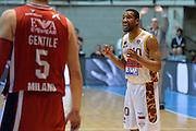 DESCRIZIONE : Desio Lega A 2015-16 Semifinale Play Off Gara 2 Olimpia EA7 Emporio Armani Milano Umana Reyer Venezia<br /> GIOCATORE : Mike Green<br /> CATEGORIA : Fair play <br /> SQUADRA : Umana Reyer Venezia<br /> EVENTO : Campionato Lega A 2015-2016 Semifinale play off Gara 2<br /> GARA : Olimpia EA7 Emporio Armani Milano Umana Reyer Venezia <br /> DATA : 21/05/2016 SPORT : Pallacanestro AUTORE : Agenzia Ciamillo-Castoria/I.Mancini Galleria : Lega Basket A 2015-2016 Fotonotizia : Desio Lega A 2015-16 Semifinale Play Off Gara 2 Olimpia EA7 Emporio Armani Milano Umana Reyer Venezia