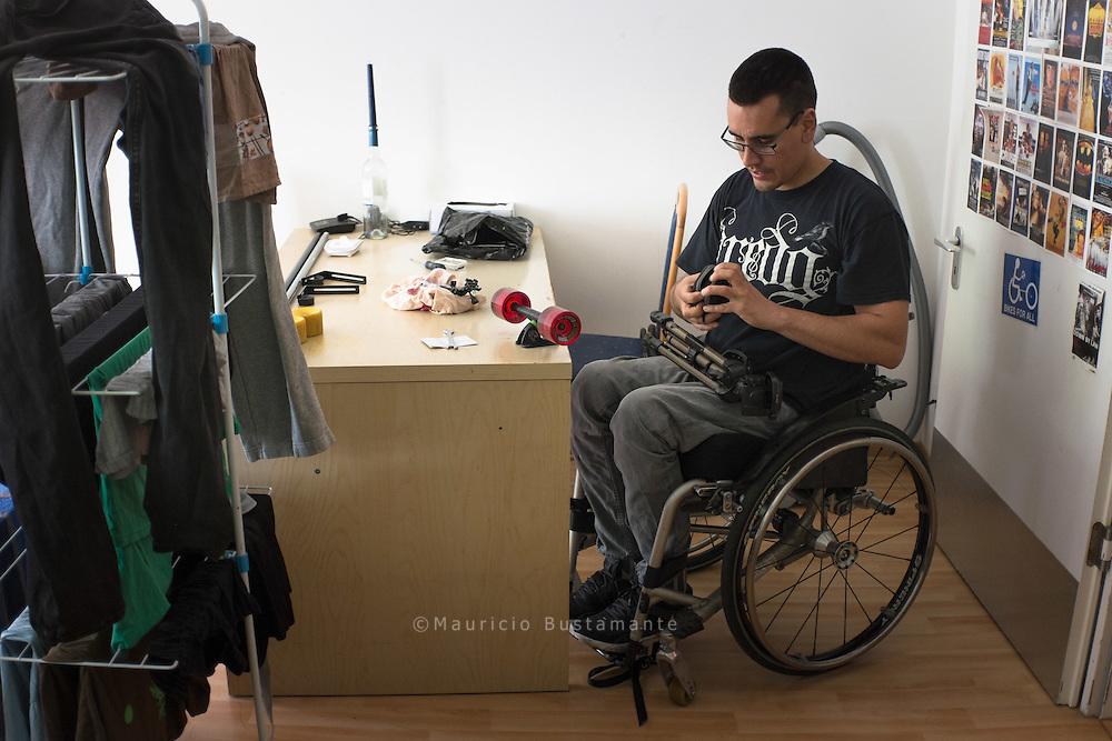 Seine Behinderung nimmt Francisco Antonio Hömpler buchstäblich sportlich. Schon<br /> vor seiner Querschnittlähmung durch einen Unfall war der 30-jährige Hamburger eine<br /> Sportskanone. Daran hat sich nichts geändert – auch dank seiner Kreativität.
