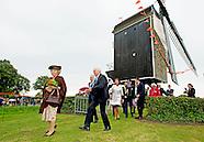 Prinses Beatrix der Nederlanden woont zaterdagochtend 5 september in Waarde de opening van provincia