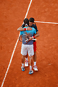 Marco CECCHINATO (ITA) won against Novak Djokovic (SRB), arms in arms during the Roland Garros French Tennis Open 2018, day 10, on June 5, 2018, at the Roland Garros Stadium in Paris, France - Photo Stephane Allaman / ProSportsImages / DPPI
