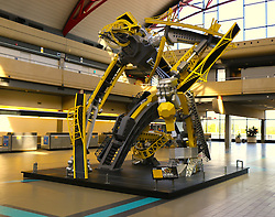 Arch the Pittsburgh bridge transformer/robot sculpture