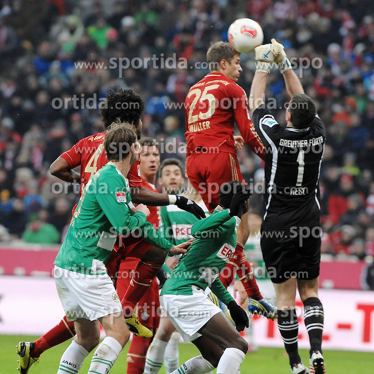 19.01.2013, Allianz Arena, Muenchen, GER, 1. FBL, FC Bayern Muenchen vs SpVgg Greuther Fuerth, 18. Runde, im Bild Torwart Wolfgang HESL (SpVgg Greuther Fuerth) klaert vor Thomas MUELLER (FC Bayern Muenchen) // during the German Bundesliga 18th round match between FC Bayern Munich and SpVgg Greuther Fuerth at the Allianz Arena, Munich, Germany on 2013/01/19. EXPA Pictures © 2013, PhotoCredit: EXPA/ Eibner/ Wolfgang Stuetzle..***** ATTENTION - OUT OF GER *****
