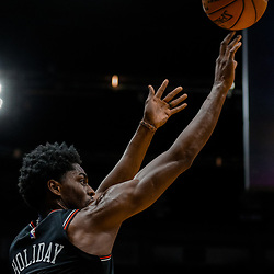 Jan 22, 2018; New Orleans, LA, USA; Chicago Bulls guard Justin Holiday (7) shoots against the New Orleans Pelicans during the first quarter at  the Smoothie King Center. Mandatory Credit: Derick E. Hingle-USA TODAY Sports