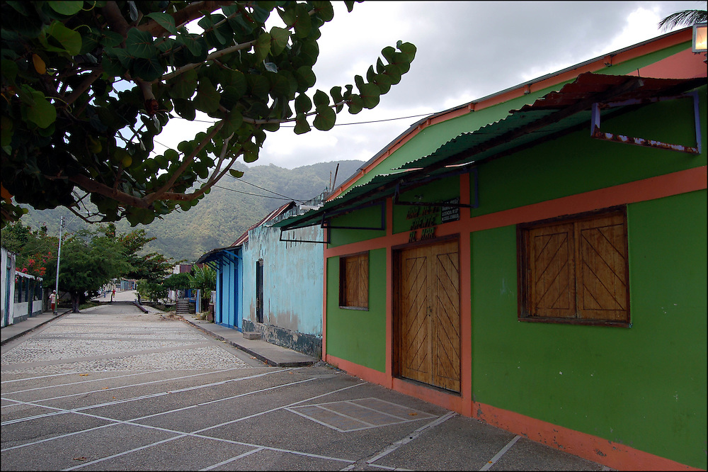 REPORTAJE DEL ESTADO SUCRE<br /> Macuro, Estado Sucre - Venezuela 2007<br /> Photography by Aaron Sosa<br /> (Copyright © Aaron Sosa)