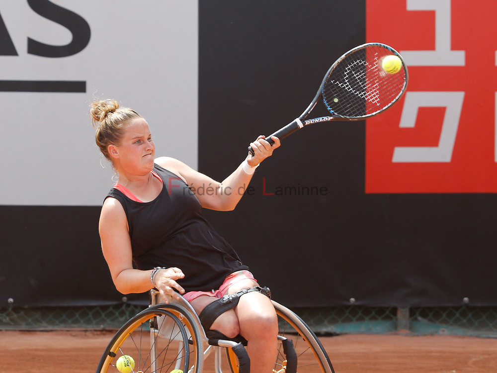 20170730 - Namur, Belgium : Aniek Van Koot (NED) returns the ball during her finale against Yui Kamiji (JPN) at the 30th Belgian Open Wheelchair tennis tournament on 30/07/2017 in Namur (TC Géronsart). © Frédéric de Laminne