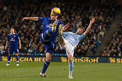 MANCHESTER, ENGLAND - Monday, February 25, 2008: Everton's Lee Carsley and Manchester City's Stephen Ireland during the Premiership match at the City of Manchester Stadium. (Photo by David Rawcliffe/Propaganda)
