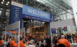01-01-2013 ALGEMEEN: BVDGF NY MARATHON: NEW YORK <br /> Lange rijen in het Health and Fitness EXPO center voor het ophalen van de startnummers / Bas<br /> ©2013-WWW.FOTOHOOGENDOORN.NL