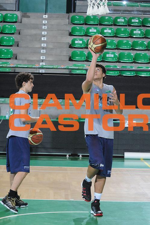 DESCRIZIONE : Treviso Lega A 2010-11 Benetton Treviso Preparazione Atletica Raduno<br /> GIOCATORE : Alessandro Gentile<br /> SQUADRA : Benetton Treviso<br /> EVENTO : Campionato Lega A 2010-2011 <br /> GARA : <br /> DATA : 25/08/2010<br /> CATEGORIA : Raduno Presentazione <br /> SPORT : Pallacanestro <br /> AUTORE : Agenzia Ciamillo-Castoria/M.Gregolin<br /> Galleria : Lega Basket A 2010-2011 <br /> Fotonotizia : Treviso Lega A 2010-11 Benetton Treviso Preparazione Atletica Raduno<br /> Predefinita :