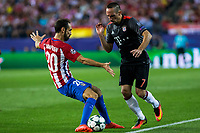 Atletico de Madrid's Juanfran Torres and Bayern Munich's Franck Ribery during the match of Group stage of Champions League Atletico de Madrid and Bayern Munich at Vicente Calderon Stadium in Madrid. September 28, 2016. (ALTERPHOTOS/Rodrigo Jimenez)