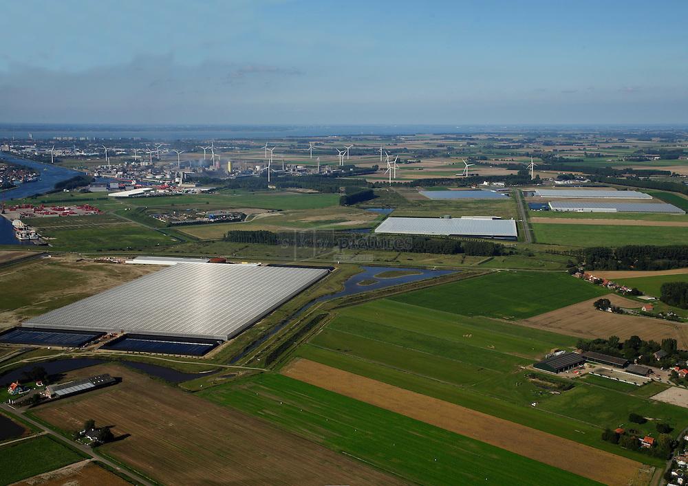 Tuinbouw op de Axelsevlakte bij Westdorpe en Sluiskil waarbij warmte en co2 overschot in de kanaalzone gebruikt wordt in de kassen in de smidsschorrepolder en de autriche polder