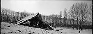 La struttura principale del forno crematorio distrutto