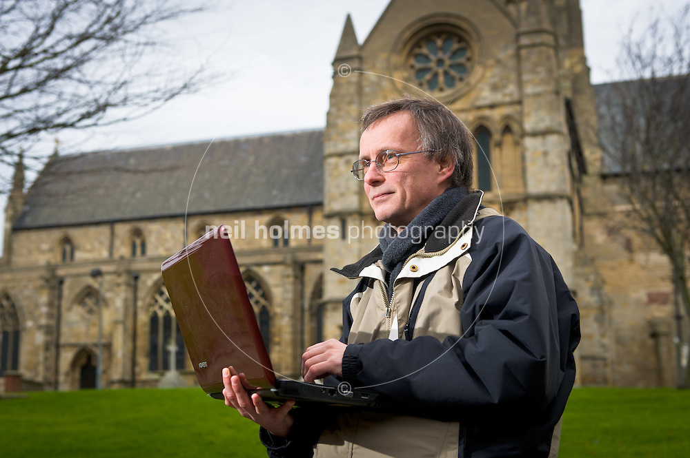 Founder of the Hedon Blog  Ray Duffill seen here in Hedon Town. Friday 20 January 2012