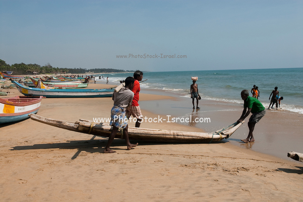 India, Tamil Nadu, Mahabalipuram fishing boats on the shore