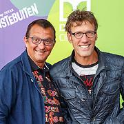 NLD/Hilversum/20150715 - Premiere Binnenstebuiten, Hans Schiffers en partner