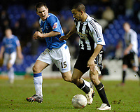 Photo: Leigh Quinnell.<br /> Birmingham City v Newcastle United. The FA Cup. 06/01/2007. Birminghams Neil Kilkenny keeps a close eye on Newcastles Kieron Dyer as he races for goal.