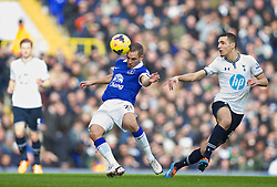 LONDON, ENGLAND - Sunday, February 9, 2014: Everton's Leon Osman in action against Tottenham Hotspur during the Premiership match at White Hart Lane. (Pic by David Rawcliffe/Propaganda)