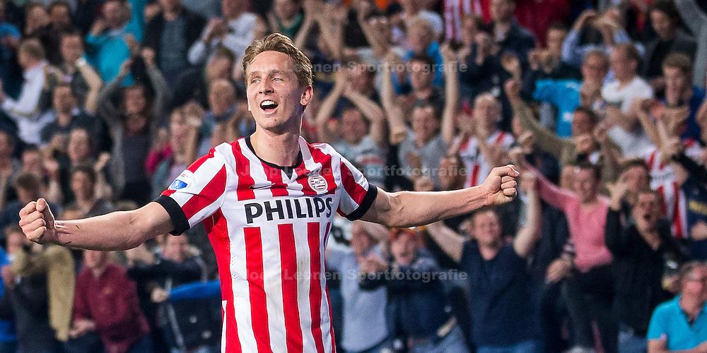 EINDHOVEN, PSV - PEC Zwolle, voetbal Eredivisie seizoen 2014-2015, 10-04-2015, Philips Stadion, PSV speler Luuk de Jong heeft de 3-1 gescoord.