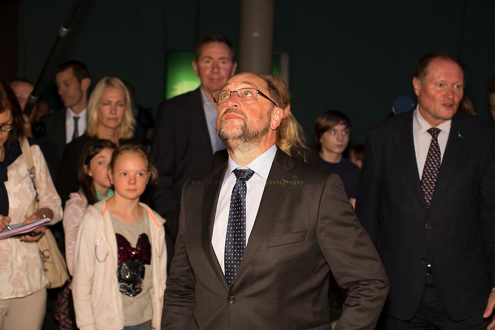 Zum Auftakt der heissen Wahlkampfphase besucht SPD-Kanzlerkandidat Martin Schulz zusammen mit Manuela Schwesig, Ministerpraesidentin des Landes Mecklenburg-Vorpommern, das Ozeaneum Stralsund.