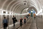 Alter Elbtunnel, Hamburg, Deutschland.|.old Elbe tunnel, Hamburg, Germany.